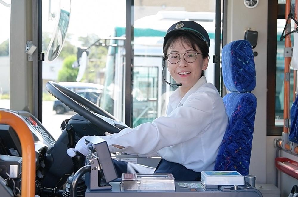 嫌いだった遠鉄バス。入社して10年のママさん運転手の本音とは? | 遠 ...