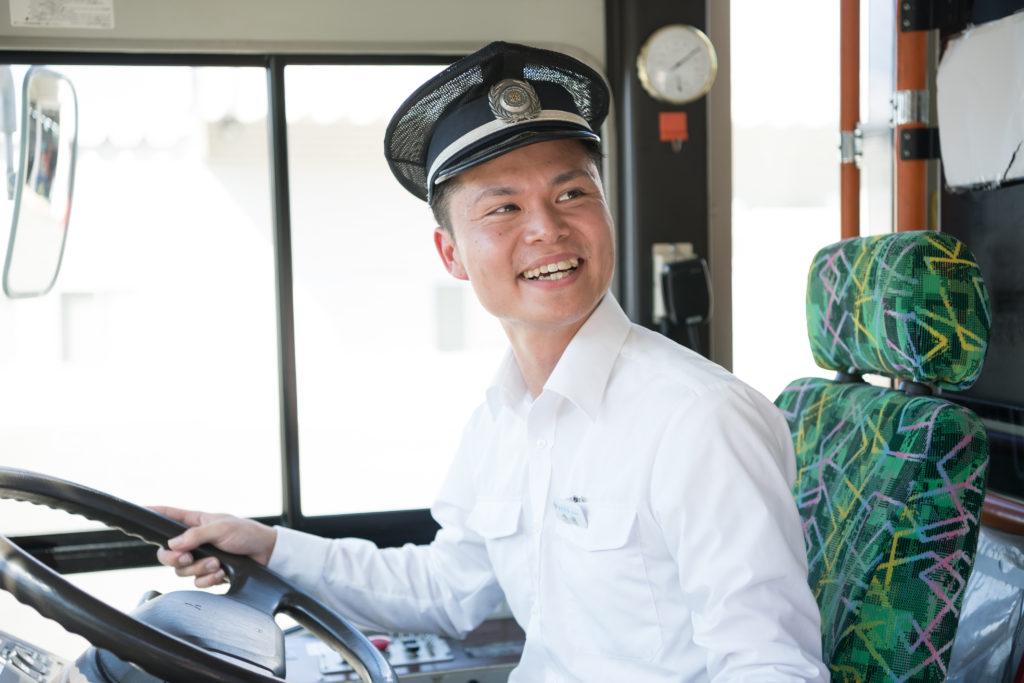 【正社員】バス運転手 大型自動車第二種免許あり